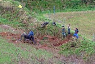 fox-digging-terriermen-66234