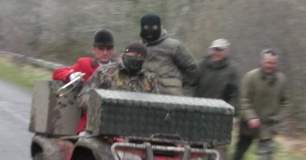 masked-hunt-supporters-7971584