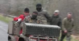 masked-hunt-supporters-7971584