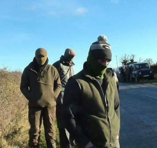 masked-hunt-supporters