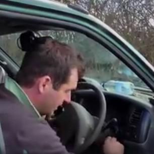 pretending-vehicle-broken-down